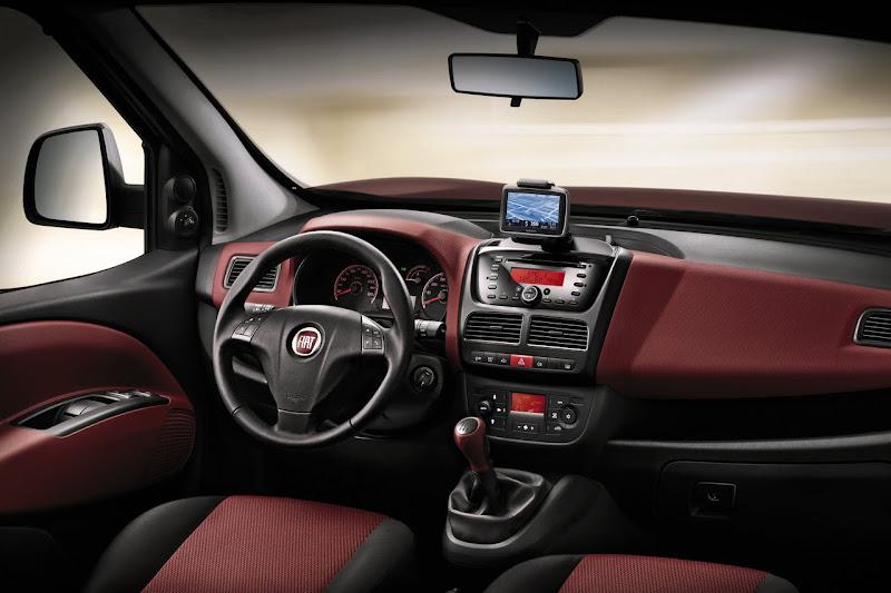 2010 Fiat Doblo Cargo interior