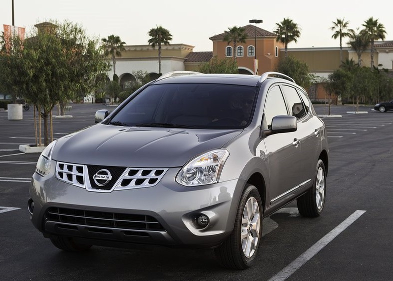 2011 New Nissan Rogue