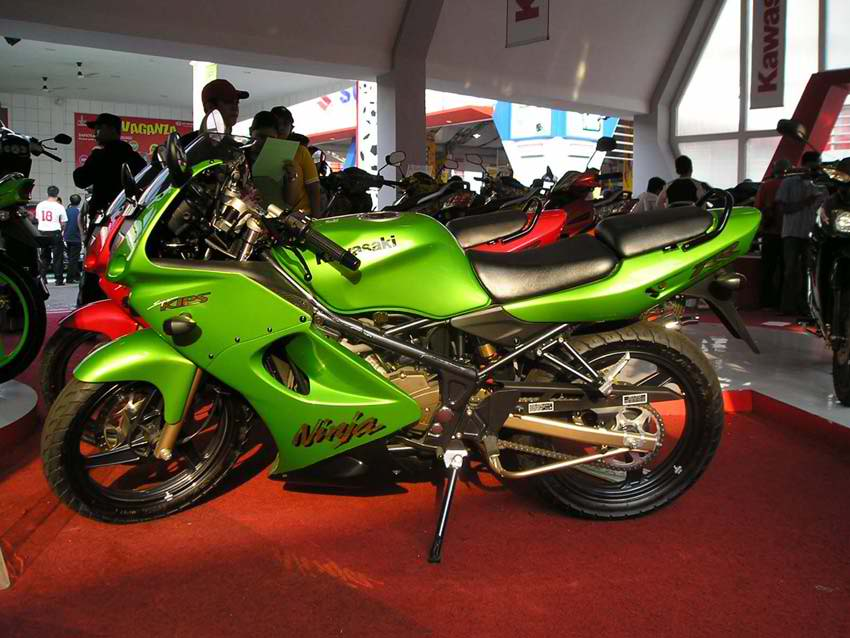 Kawasaki Ninja 150 Rr Modifikasi. 2010 Kawasaki Ninja 150RR