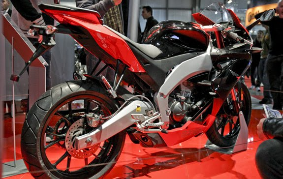2012 Aprilia RS4 125 Photo
