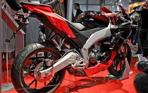 2012 Aprilia RS4 125 Photo