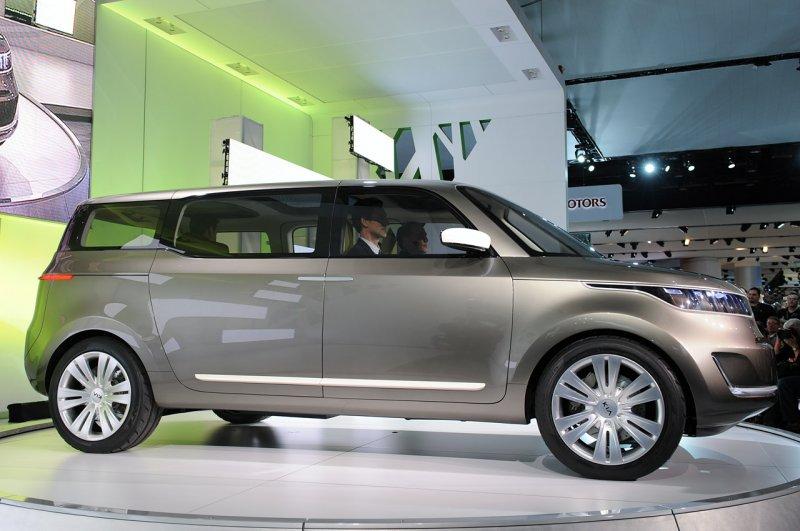 2011 KIA Concept Minivan KV7
