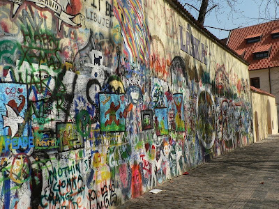 John Lennon wall, Kampa, Prague