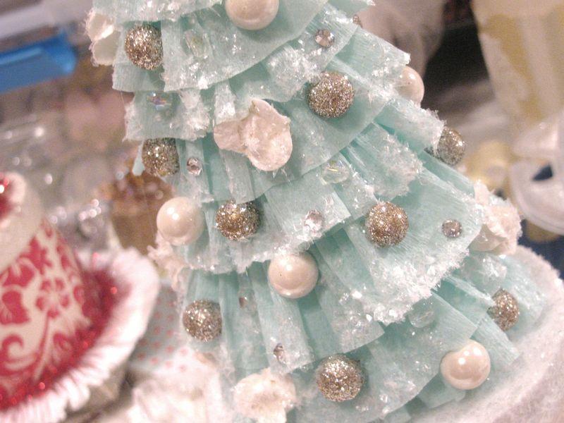 decoracao e interiores:Crepe Paper Christmas Tree Tutorial