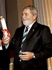 Avaliação positiva do governo Lula sobe para 72%, diz Ibope.