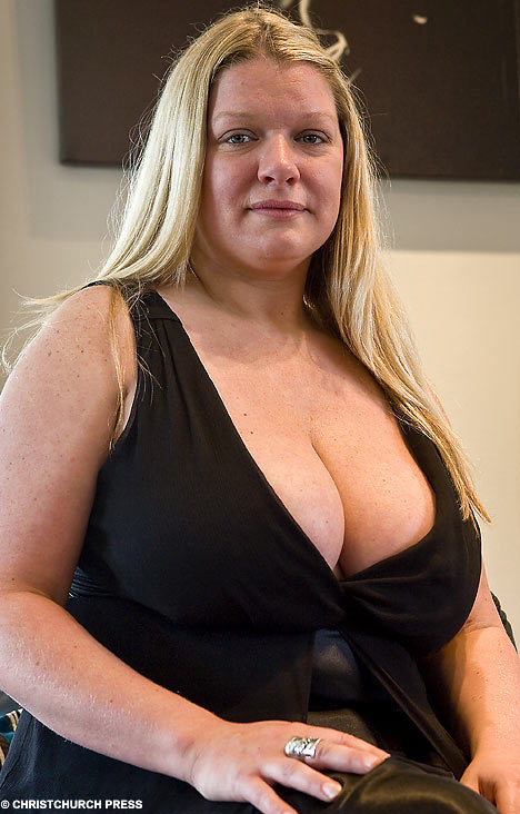 mom-big-tits