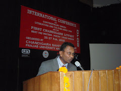 Prof Mukesh Williams delivering the MELUS/MELOW Keynote Address 2010