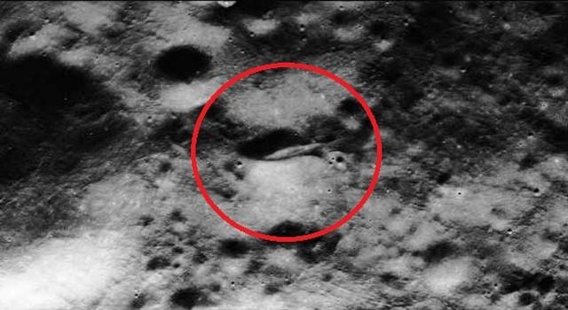 Quel est ce mystérieux objet qui apparait sur Google Lune ? - Page 3 Moon+spaceship+6
