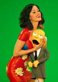 Katy-Perry-Simpsons-Especial-Natal-Mr.Burns.jpg (400×566)