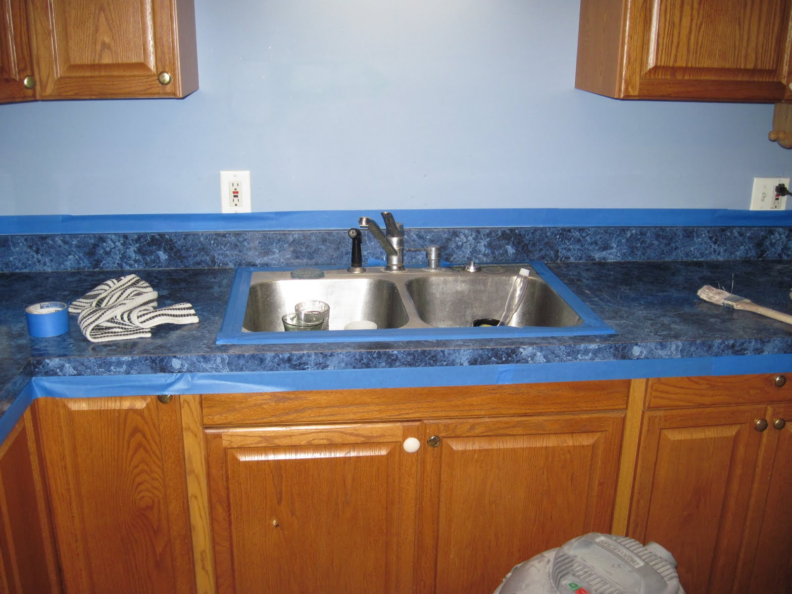 Upgrading Counter Top ~ FINISHED WALLS