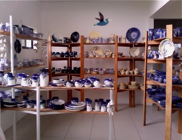 Costa Rica Showroom for Handmade Pottery Dinnerware Sets