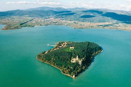 Tuoro sul Trasimeno Italy  City pictures : Italy travels and holidays: Lake Trasimeno: the blue heart of Italy