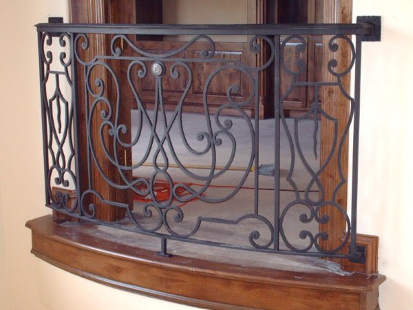 Muebles r sticos hassan balc n de fierro forjado for Muebles de terraza fierro