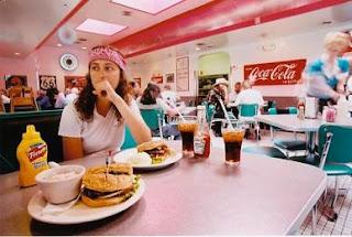 Comer en solitario
