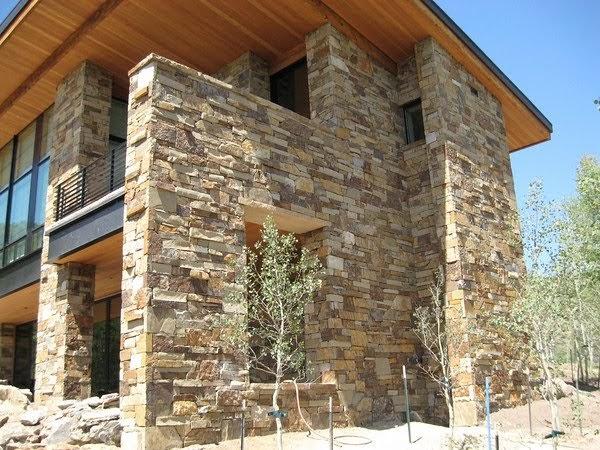Case prefabbricate in legno e pietra for Facciate di case in mattoni e pietra