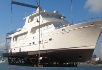 poweryacht mag global informative motorboat page new model outer reef 86 skylounge. Black Bedroom Furniture Sets. Home Design Ideas