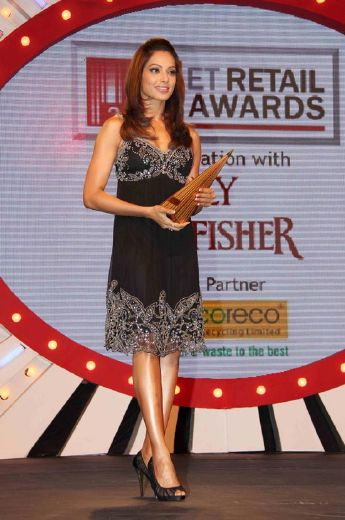 bipasha basudino morea at et retail awards latest photos