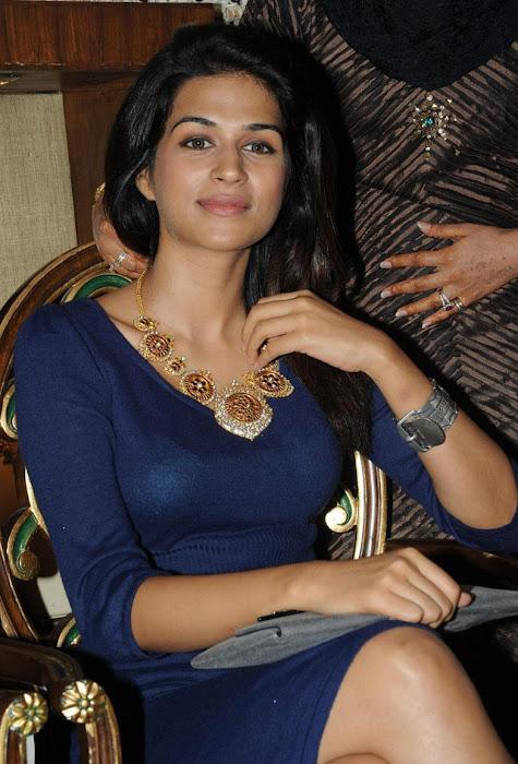 shraddha das at krsala nagavalli collection jewelery launch photo gallery