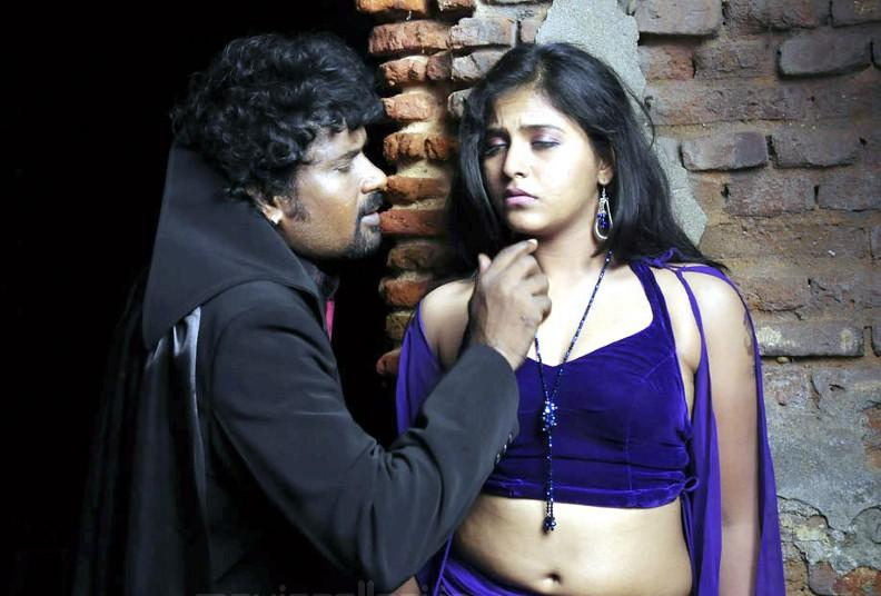 Actress Anjali Hot Stills Photoshoot images