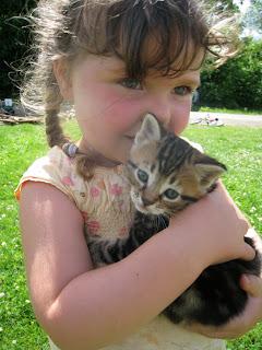 gitl and kitten