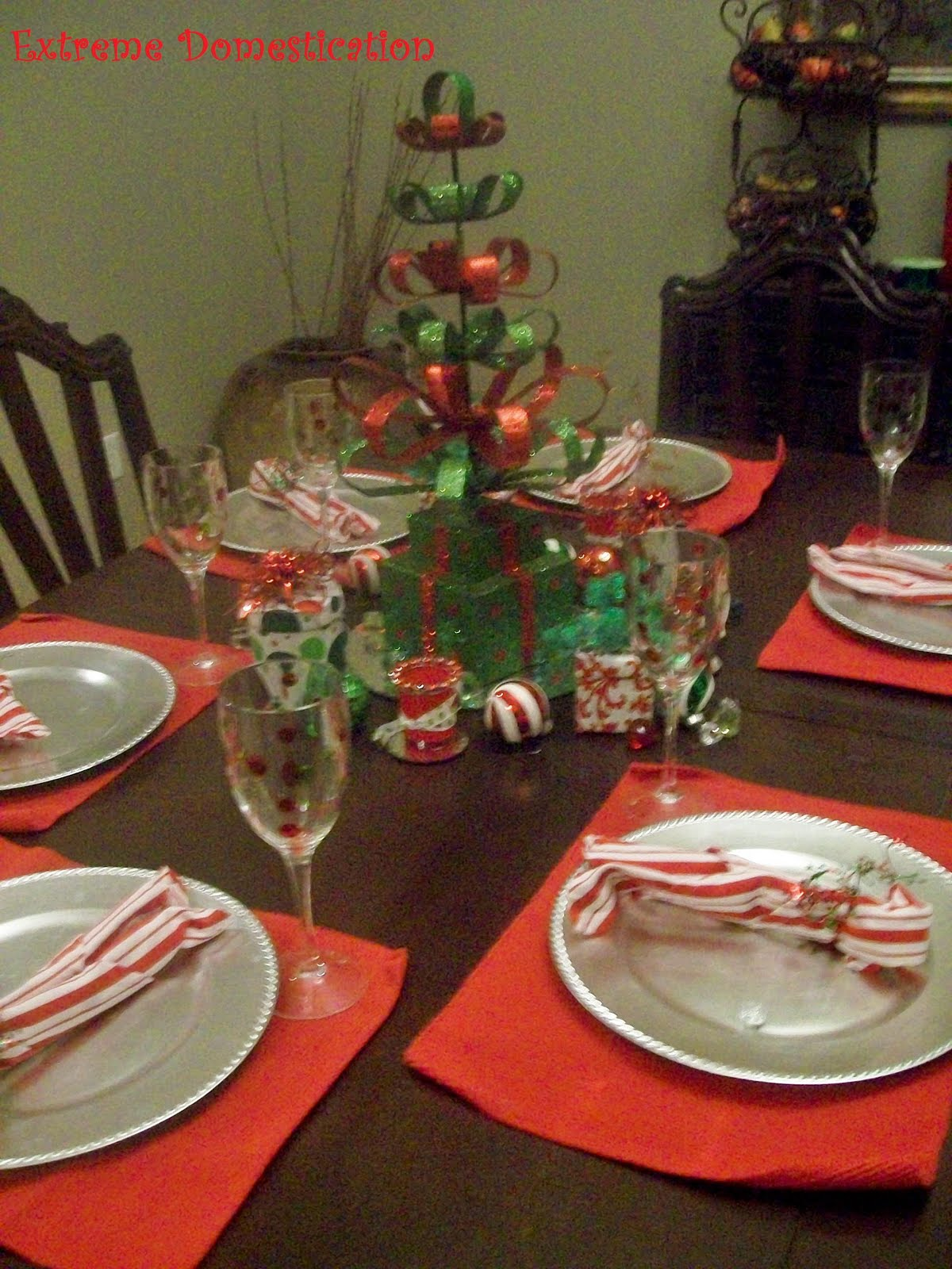 Extreme domestication christmas party table setting Christmas party table settings