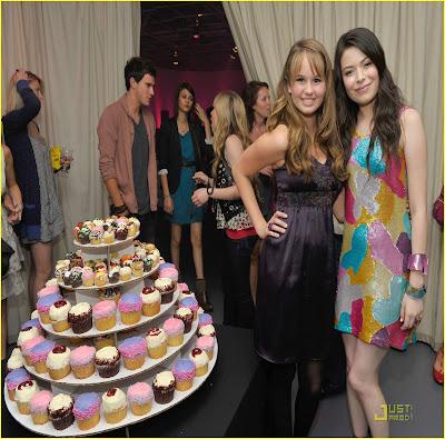 Fotos de Miranda Cosgrove festejando su cumpleaños