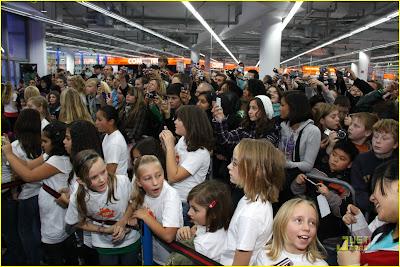 Miranda Cosgrove con fans