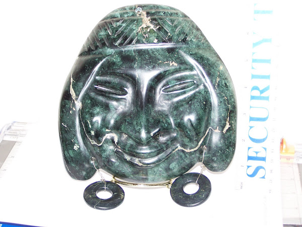 Serpentine mask w/ earrings - 7""