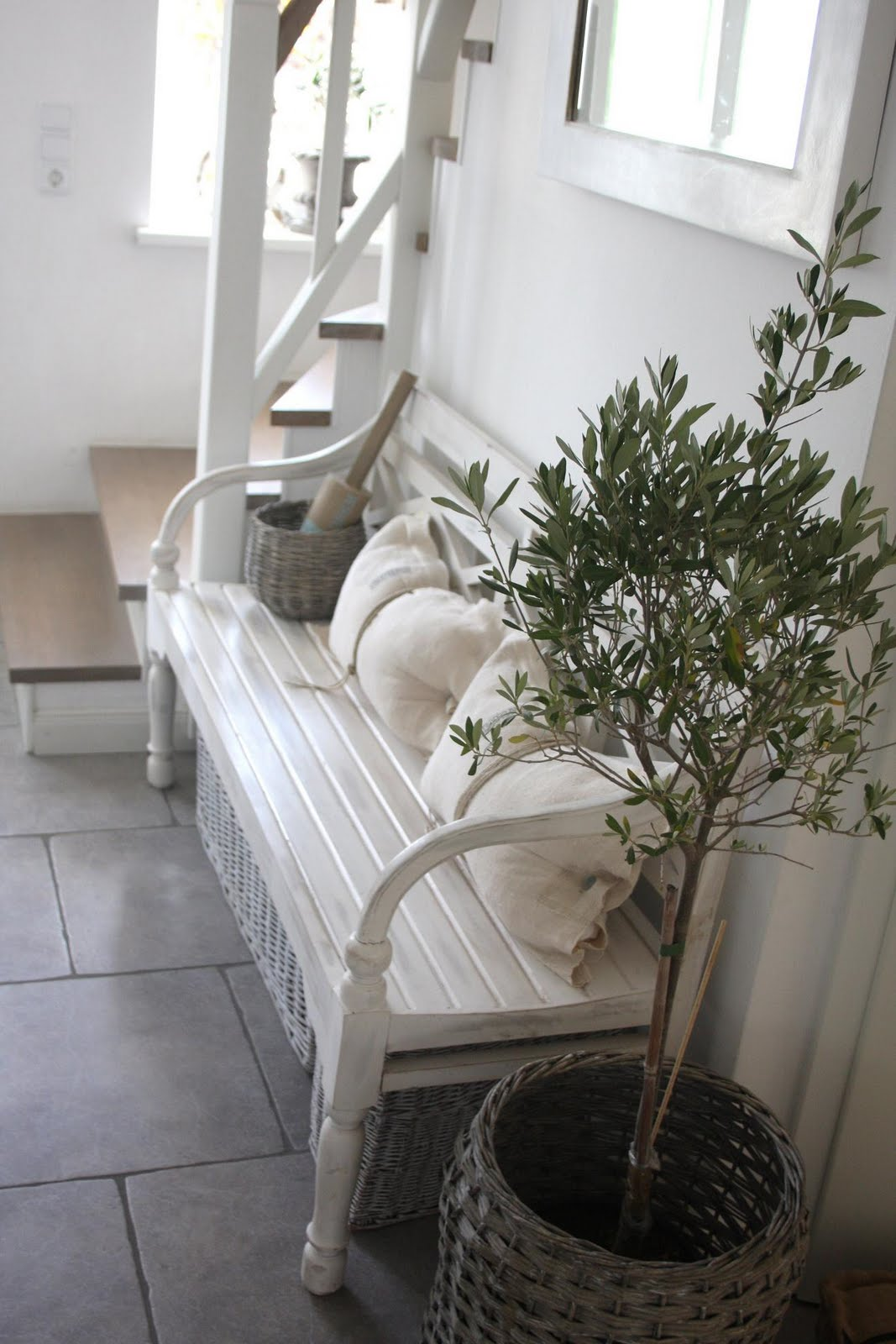 shabby homestyles entrance. Black Bedroom Furniture Sets. Home Design Ideas