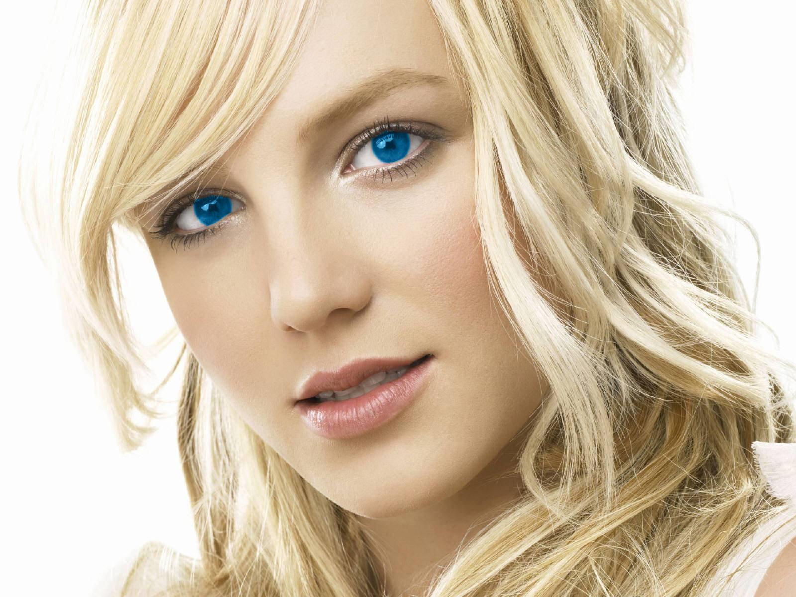 http://4.bp.blogspot.com/_1vACcJJ_oxE/TFGrFTYzcPI/AAAAAAAAAB4/KlrVAu1Li6k/s1600/Britney_Spears_33000.jpg