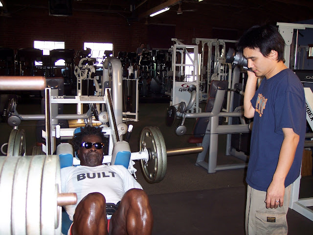 """ROBBY ROBINSON AND ZEKE ANDERS - LEG PRESS - FILMING OF REMI-AWARDED """"BUILT"""" DVD"""