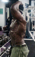 ROBBY ROBINSON AT 64 YEARS - SIDE ABS TRAINING & POSING AT GOLD'S GYM 2010 ● www.robbyrobinson.net/dvd_built.php ●