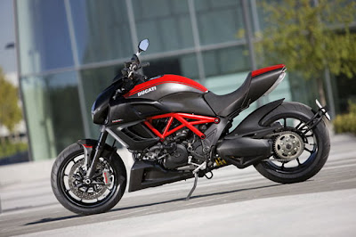 New 2011 Ducati Diavel Carbon