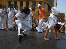 Abada Capoeira Desenvolvendo um Trabalho Belissimo