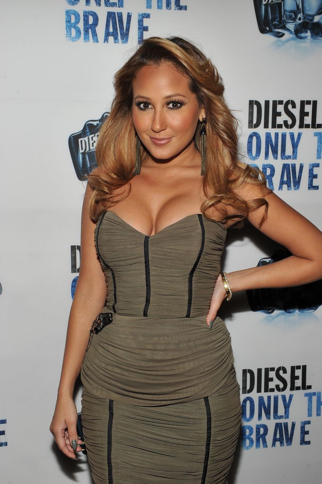 http://4.bp.blogspot.com/_1yUTJlWJ-7U/TL2OnCeV_dI/AAAAAAAABNM/hrvONKHjyJY/s1600/Adrienne%2BBailon.jpg