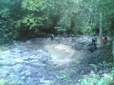 dabo singkep wisata alam air terjun batu ampar 9