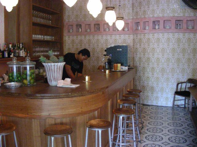 [CafeBali3-via-kyla.wordpress.com]