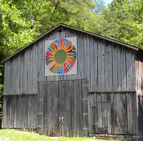 Quilt Patterns On Barns In Ky : Barn Quilts and the American Quilt Trail: Kentucky QuestBarn quilt calendar 2011barn quilts ...