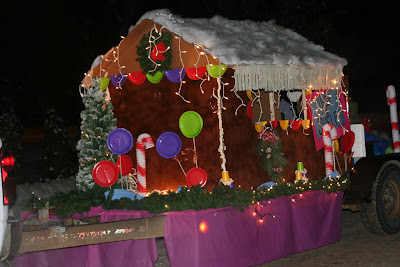 Christmas Church Float Ideas http://annakarli.blogspot.com/2009/12/parade-of-lights.html