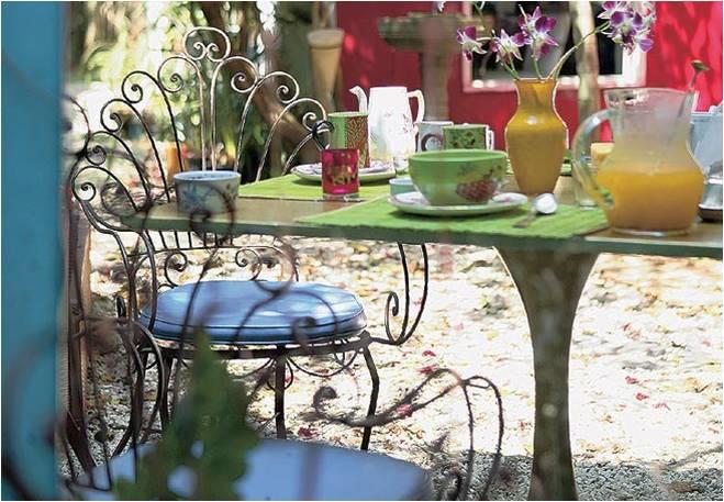 mesa de jardim ferro:Lou Casados
