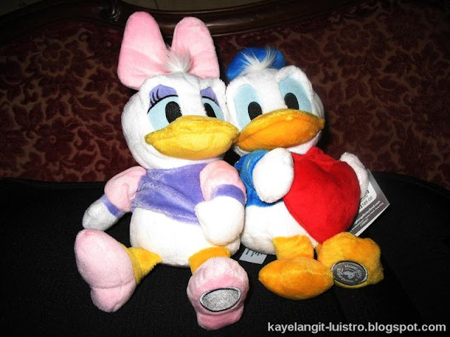 souvenirs at hong kong disneyland