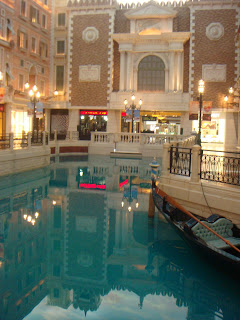 Posted by Gaurav Jain : Thrilling experience @ Macau, China ( Las Vegas of Asia ) : The Venice Reflection inside Venetian @ Macau , China