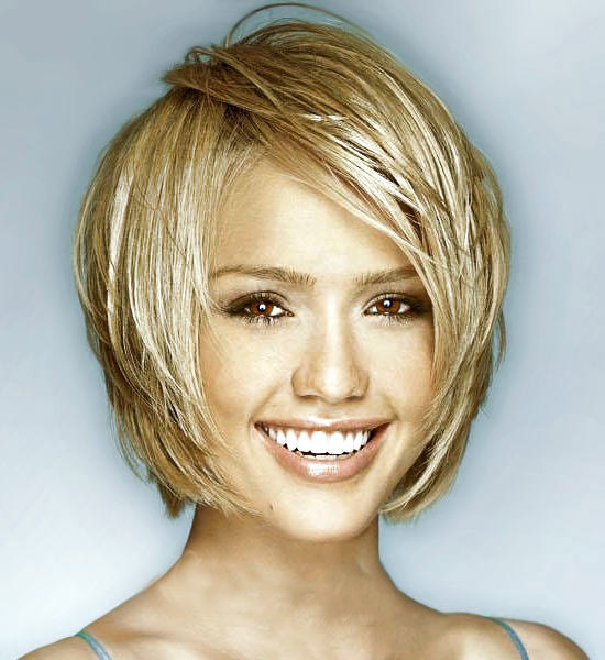 jessica alba short hair bangs. jessica alba short hairstyles.