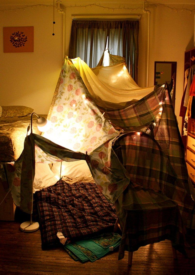 Как сделать халабуду из подушек и одеял