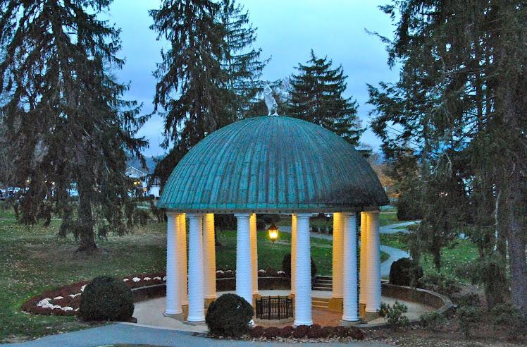 historic greenbrier resort wv