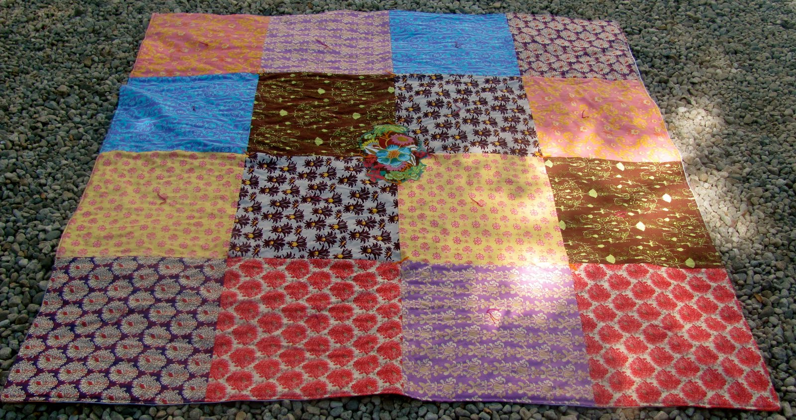 Easy quilt for kids to make : knotting quilts - Adamdwight.com