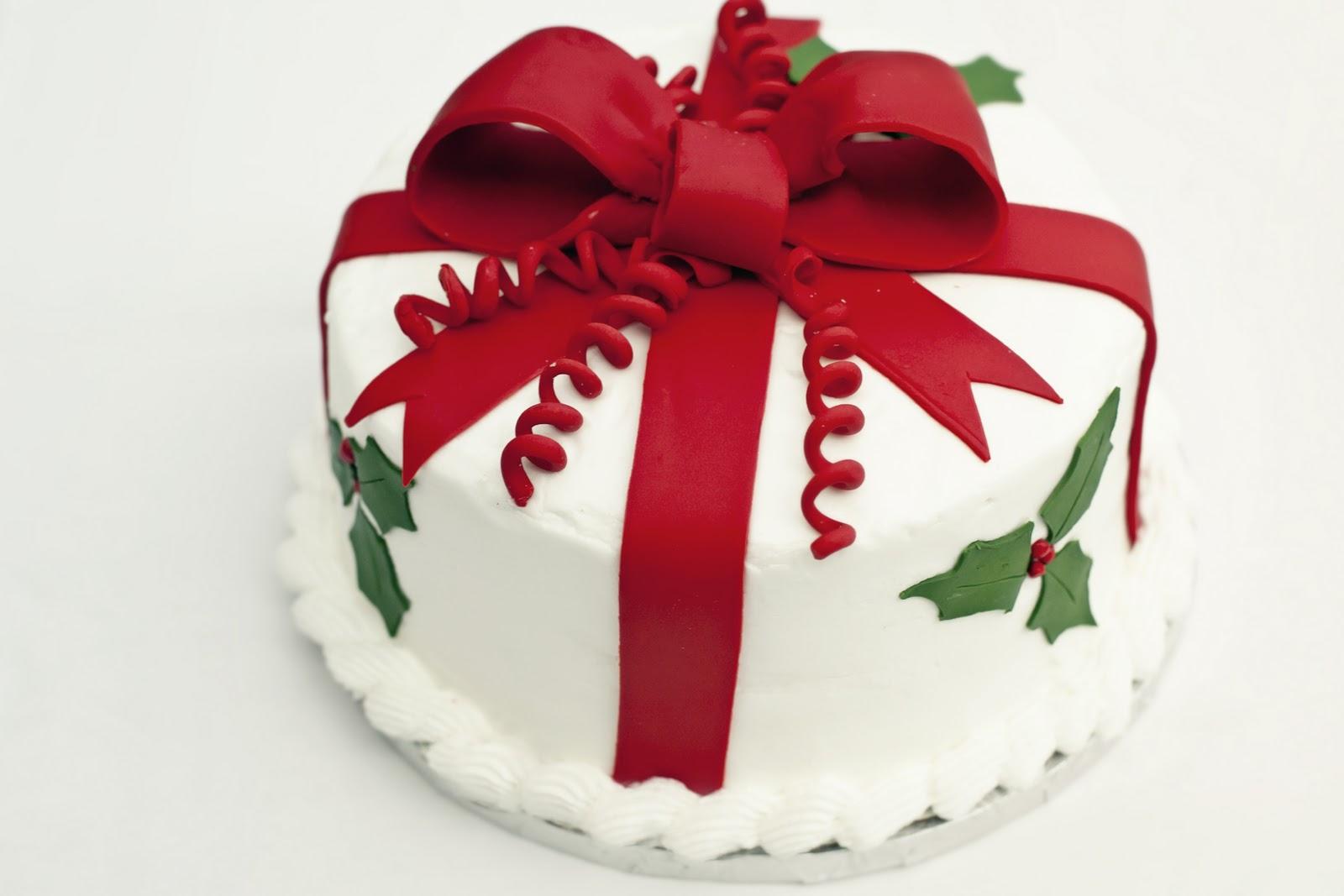 Fondant Cake For Christmas : PattiCakes!: Christmas Cake