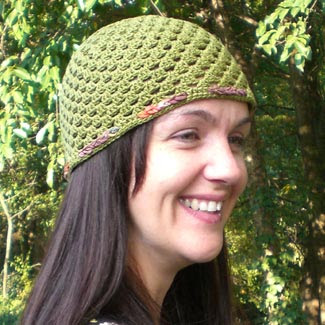 Crochet beanie e-pattern with ribbon trim