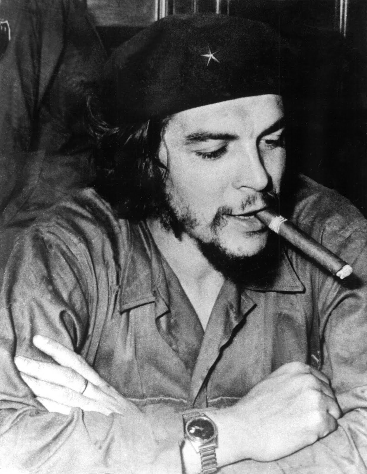 ernest che guevara The horoscope was confounding if the famous guerrilla revolutionary ernesto che guevara was born on june 14, 1928, as stated on his birth certificate.