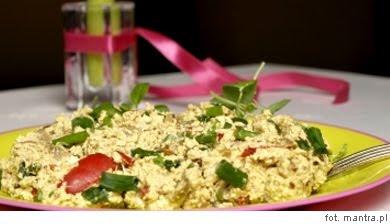 Przepis na wegetariańską 'jajecznicę' z tofu